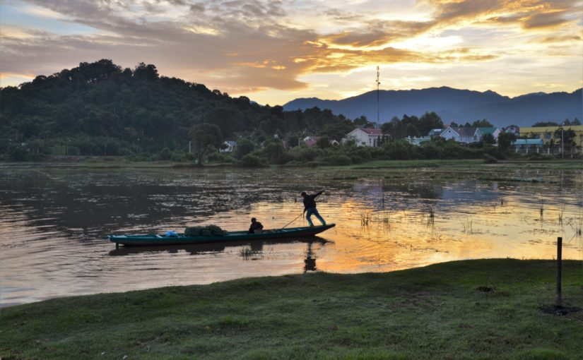 Vietnam – Tour Lắk Lake